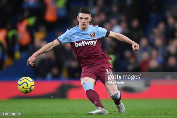 Declan Rice of West Ham United in action during the Premier League match between Chelsea FC and West Ham United at Stamford Bridge on November 30...