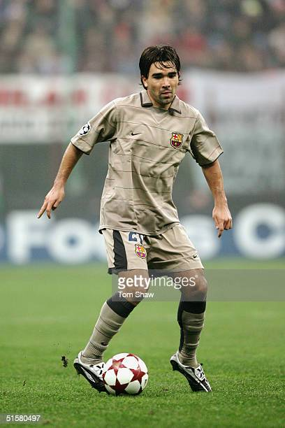 Deco of Barcelona in action during the UEFA Champions League Group F match between AC Milan and Barcelona in the Stadio San Siro on October 20 2004...