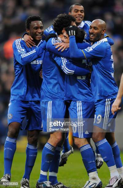 Deco of Chelsea celebrates with team mates after scoring the second goal during the Barclays Premier League match between Bolton Wanderers and...