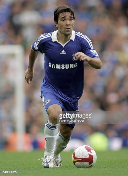 Deco of Chelsea in action during the Barclays Premier League match between Chelsea and Tottenham Hotspur at Stamford Bridge in London on the 31st...