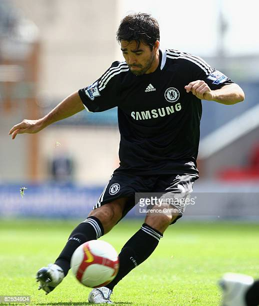Deco of Chelsea scores the opening goal during the Barclays Premier League match between Wigan Athletic and Chelsea at The JJB Stadium on August 24...