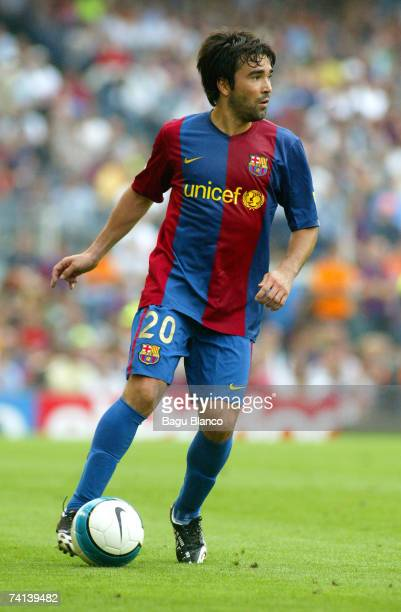 Deco of FC Barcelona in action during the La Liga match between FC Barcelona and Real Betis at the Camp Nou on May 13 2007 in Barcelona Spain