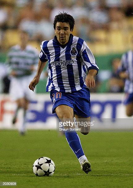 Deco of FC Porto runs with the ball during the UEFA Cup Final match between Celtic and FC Porto held on May 21 2003 at the Estadio Olimpico in...