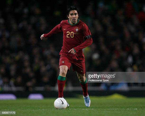 Deco of Portugal in action during the Brazil v Portugal International Friendly match at the Emirates Stadium London on 6th February 2007
