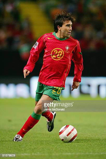 Deco of Portugal in action during the World Cup Group 3 match between Portugal and Russia on October 13 2004 at the Estadio Jose Alvalade Lisbon...