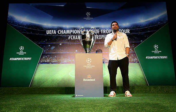 Deco Speaks To The Guest During UEFA Champions League Trophy Tour 2016 Presented By Heineken