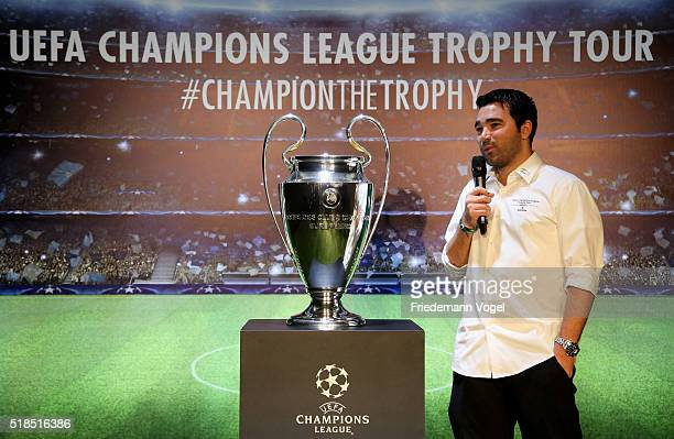Deco speaks to the guest during the UEFA Champions League Trophy Tour 2016 presented by Heineken on March 31 2016 in Sao Paulo Brazil