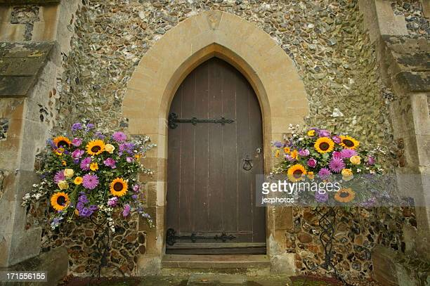 decorated church entrance - church wedding decorations stock pictures, royalty-free photos & images