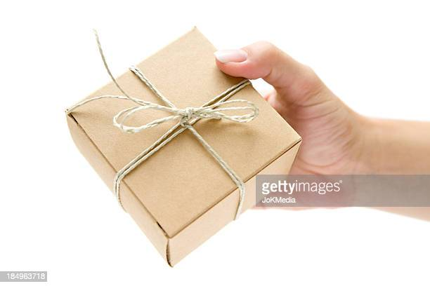 Decorado o pacote na sua mão