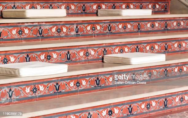 decorated stairs in marrakesh morocco - palast stock-fotos und bilder