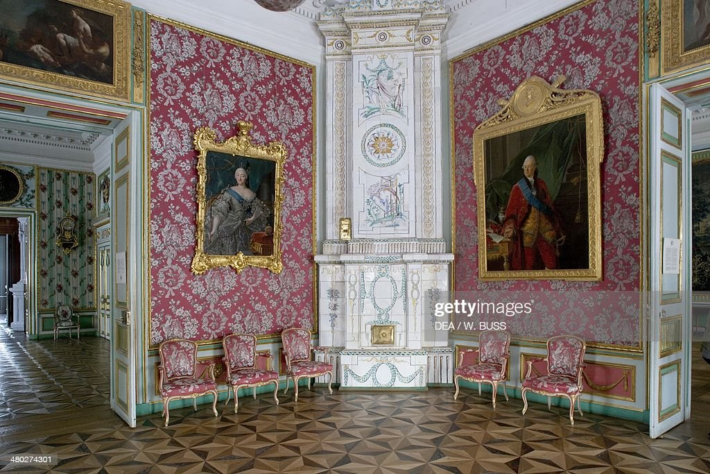 Decorated wood stove in room in Seremetev Palace : News Photo