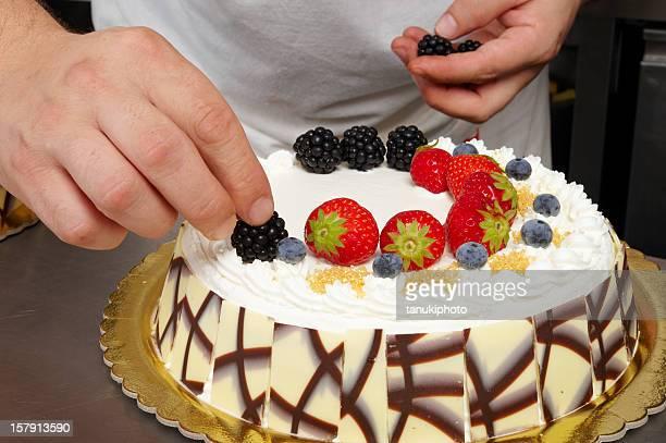 Decorating a Cake