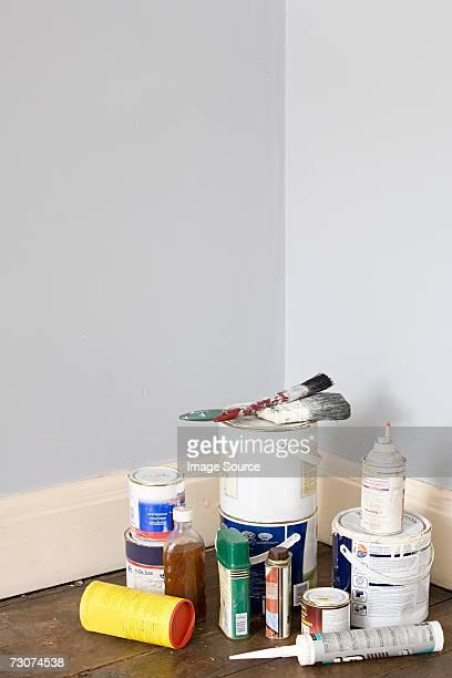 decorating equipment - farbdose stock-fotos und bilder