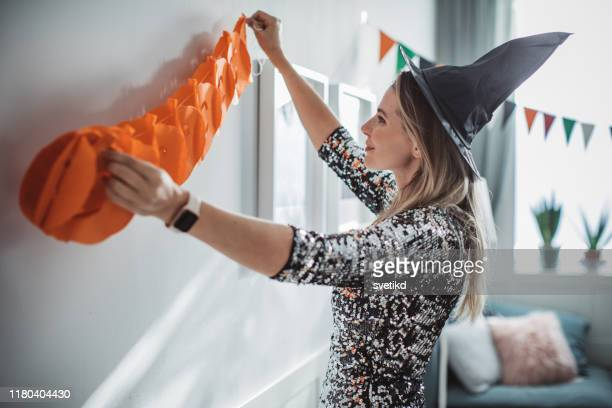decorating home for halloween - garland decoration stock pictures, royalty-free photos & images