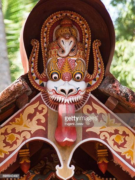 decoration of hindu temple in kannur region of northern kerala - coroa enfeite para cabeça - fotografias e filmes do acervo