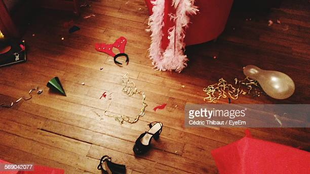 decorations on wooden floor - after party stock pictures, royalty-free photos & images