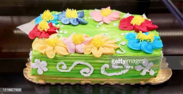 Super Birthday Cake Flowers Stock Pictures Royalty Free Photos Images Funny Birthday Cards Online Alyptdamsfinfo