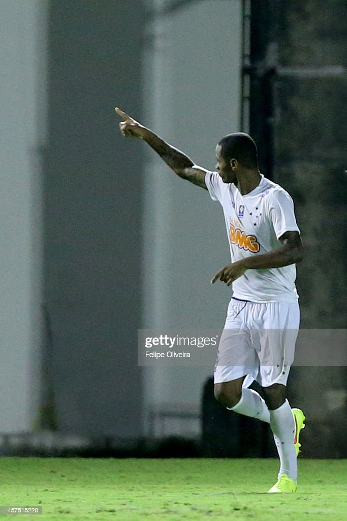 Dede of Cruzeiro celebrate a scored goal during the match between Vitoria and Cruzeiro as part of Brasileirao Series A 2014 at Estadio Manoel Barradas on October 19, 2014 in Salvador, Bahia, Brazil.