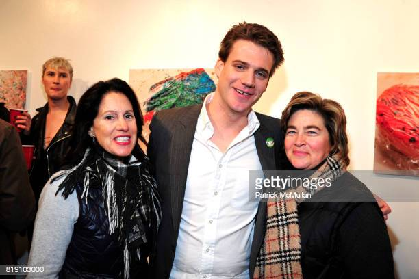 Dee Brandon Dustin Wayne Harris and Emily McLaughlin attend DUSTIN WAYNE HARRIS Photo Exhibit Cake Mixx at Heist Gallery on March 11 2010 in New York...