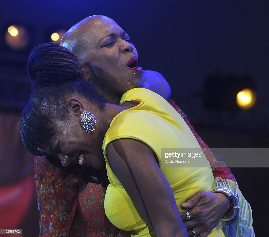 Dee Dee Bridgewater and daughter China Moses perform on stage as