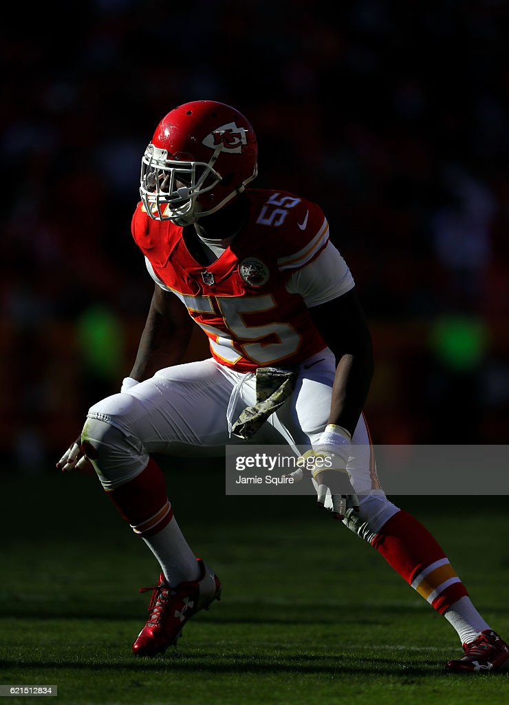 Dee Ford #55 of the Kansas City Chiefs in action during the game against the Jacksonville Jaguars at Arrowhead Stadium on November 6, 2016 in Kansas City, Missouri.
