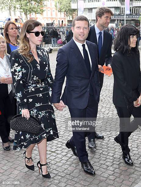 Dee Koppang Dermot O'Leary and Claudia Winkleman attend a memorial service for the late Sir Terry Wogan at Westminster Abbey on September 27 2016 in...