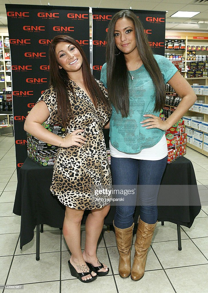 Sammi Giancola Appearance At GNC
