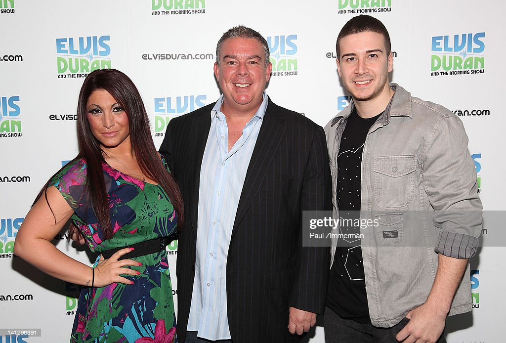 "The ""Jersey Shore"" Cast Visits ""The Elvis Duran Z100 Morning Show"" : News Photo"