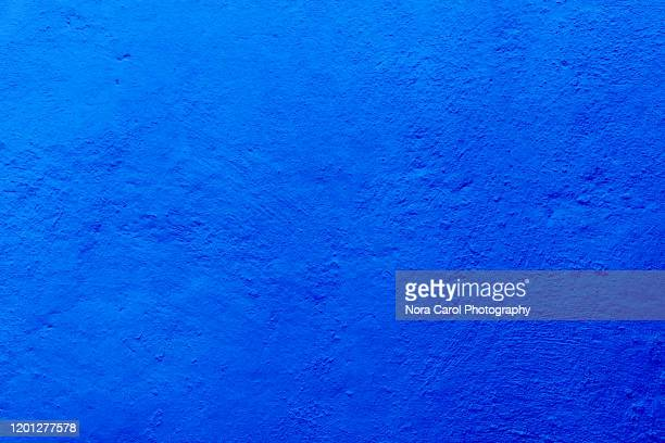 deep blue background with textures - saffier stockfoto's en -beelden