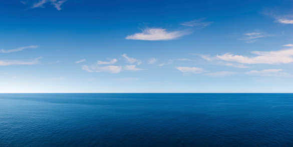 Deep Blue Ocean Panorama 184330929