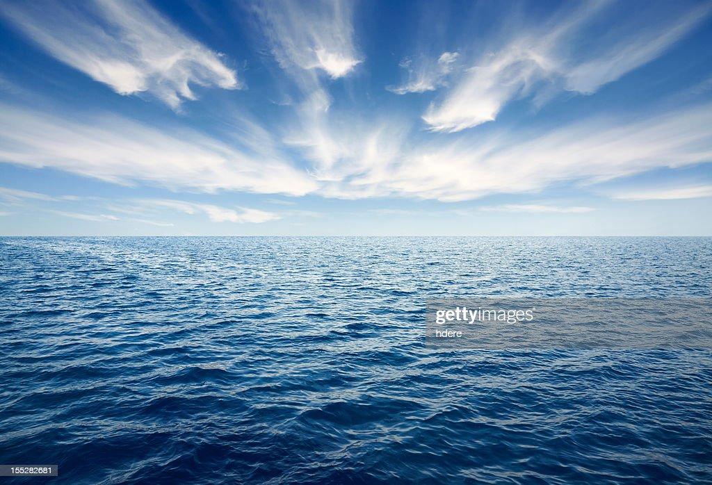 Tiefblaue Meer : Stock-Foto