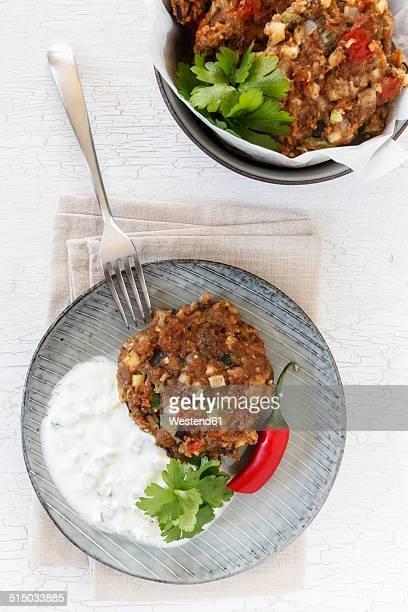 Deep-fried Iraqui veggie burgers Arok