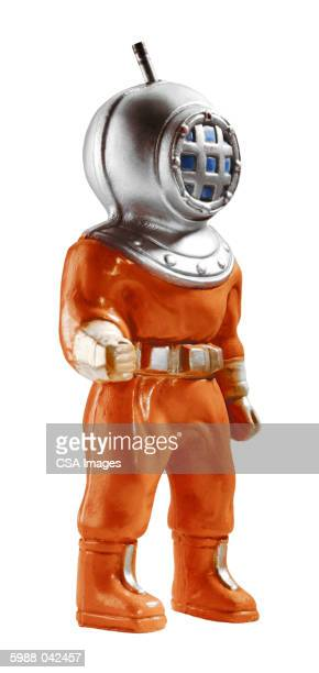 deep-sea diver figurine - scaphandrier casque photos et images de collection