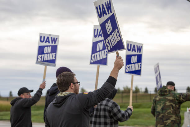 IA: Deere Workers Strike for First Time Since 1986 for More Pay