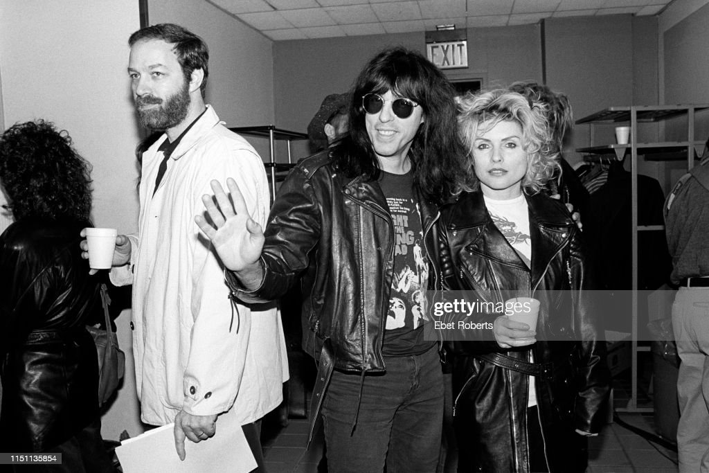 Bill Adler Marky Ramone And Debbie Harry : News Photo