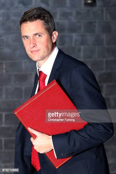 Defence Secretary Gavin Williamson arrives at Downing Street for the Inner Brexit Cabinet meeting on November 20 2017 in London England Prime...