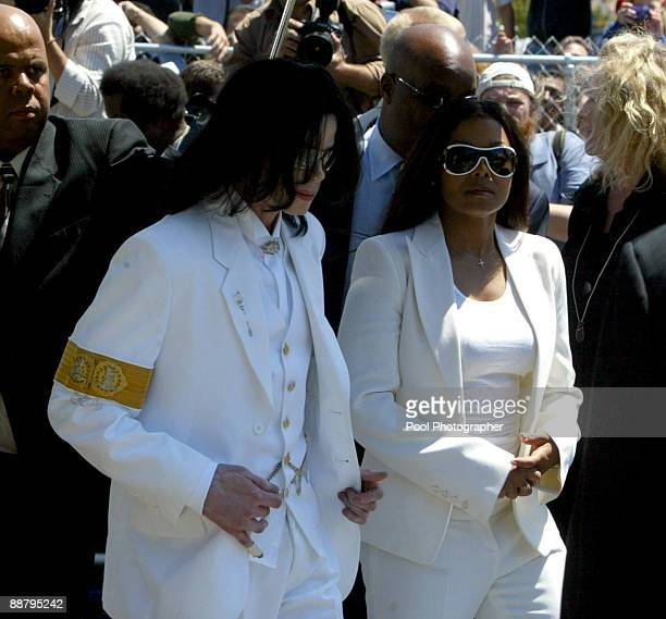 Defendant Michael Jackson with his sister Janet Jackson at the Santa Maria courthouse for a pretrial hearing in the Michael Jackson child molestation...