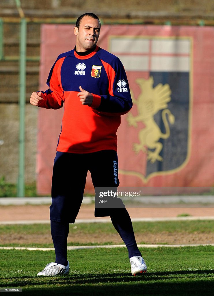 Defender Anthony Van den Borre of Belgium attends a training session after signing for Genoa football club at Gianluca Signorini Sport centre in Genoa, 24 January 2008. AFP PHOTO / Stringer
