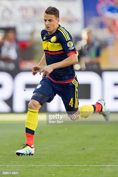 Defender Santiago Arias of Colombia advances a play during a group A match between the United States and Colombia at Levi's Stadium as part of Copa...