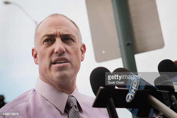 Defense attorney Steve Greenberg representing accused murderer Drew Peterson speaks to the media outside the Will County courthouse July 31 2012 in...