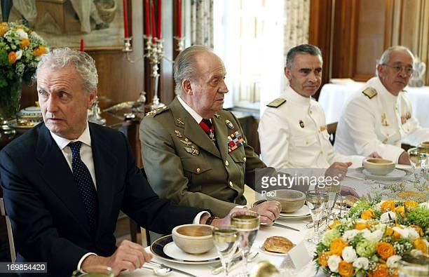 defense minister Peter Morenes King Juan Carlos of Spain General Admiral Fernando Garcia Sanchez and Chief of Staff of the Navy Jaime MunozDelgado...