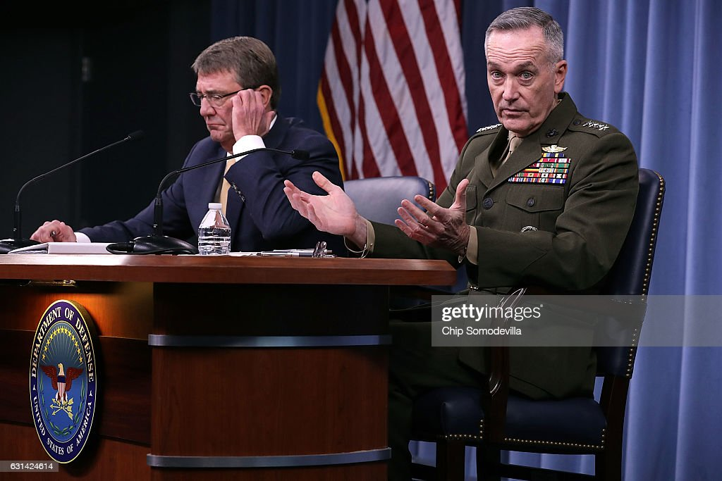 U.S. Defense Secretary Ash Carter (L) and Chairman of the Joint Chiefs of Staff Marine Gen. Joseph Dunford Jr. hold a news conference at the Pentagon January 10, 2017 in Arlington, VA. The military leaders took questions about Turkey, Russia, North Korea, the Islamic State terrorist group and the future of women in the armed forces.