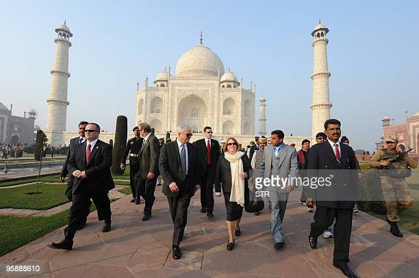 US Defense Secretary Robert Gates and his wife Becky visit the Taj Mahal in Agra on January 20 2010 The AlQaeda network poses a serious threat to the...