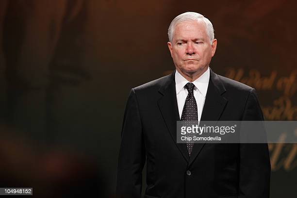 S Defense Secretary Robert Gates participates in a ceremony to posthumously induct Medal of Honor recipient US Army Staff Sgt Robert Miller to the...