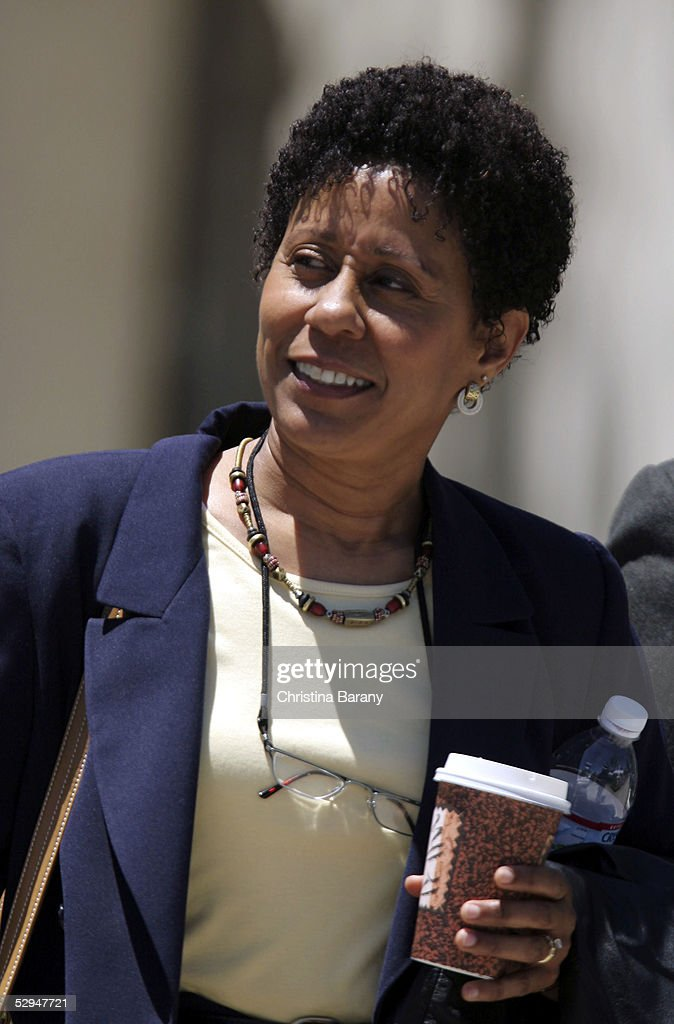 Defense witness Vernee Watson-Johnson leaves the Santa Barbara County Courthouse May 18, 2005 after a day of proceedings in Michael Jackson's child molestation trial in Santa Maria, California. Jackson is charged in a 10-count indictment with molesting a boy, plying him with liquor and conspiring to commit child abduction, false imprisonment and extortion. He has pleaded innocent.