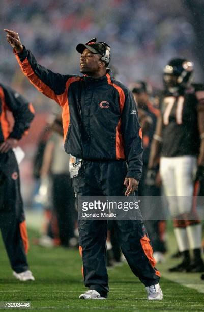 Defensive back coach Steven Wilks of the Chicago Bears yells to his team from the sidelines during the third quarter of Super Bowl XLI on February 4...