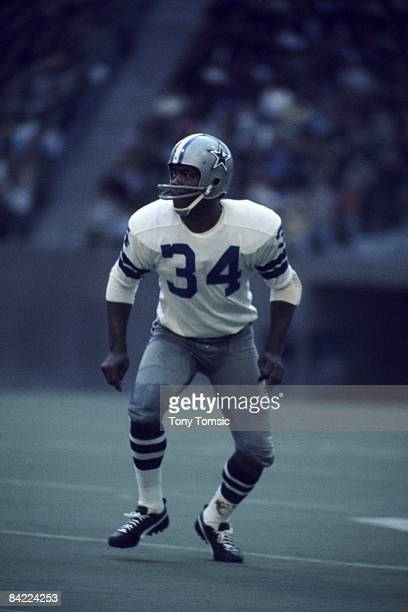 Defensive back Cornell Green of the Dallas Cowboys moves into position during the NFC Championship Game on January 2 1972 against the San Francisco...