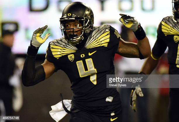 Defensive back Erick Dargan of the Oregon Ducks celebrates his interception during the third quarter of the game against the Stanford Cardinal at...