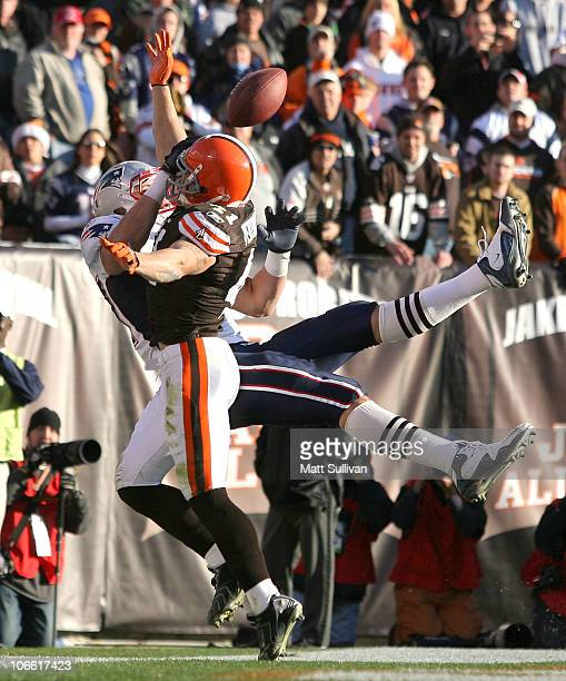 Defensive back Ray Ventrone of the Cleveland Browns breaks up a pass to tight end Rob Gronkowski of the New England Patriots at Cleveland Browns...