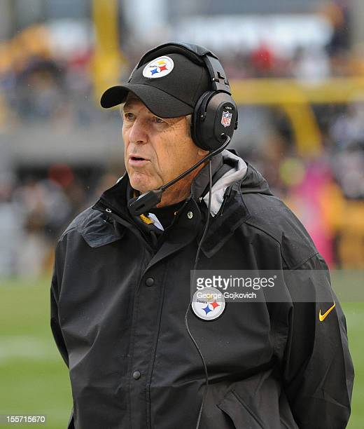 San Diego Chargers Defensive Coordinator: Dick Lebeau Stock Photos And Pictures